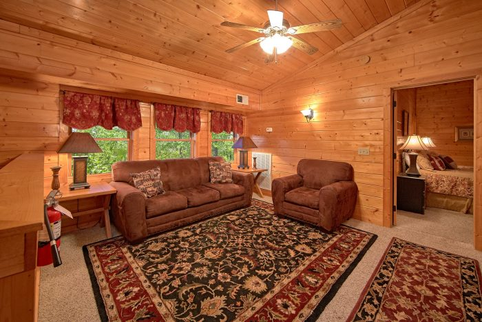 6 Bedroom Cabin Sleeps 20 Extra Seating Area - Royal Vista