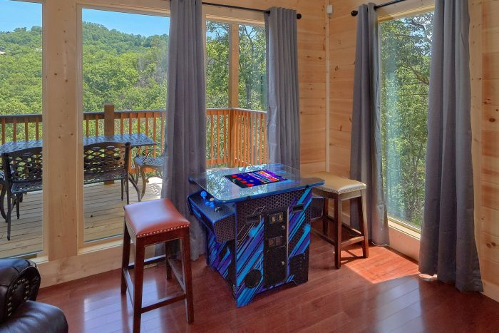 Cabin with Hot Tub and Mountain Views - Scenic Mountain Pool