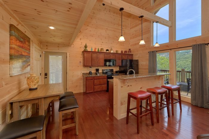 2 Bedroom Luxury Cabin with Views of the Smokies - Scenic Mountain Pool