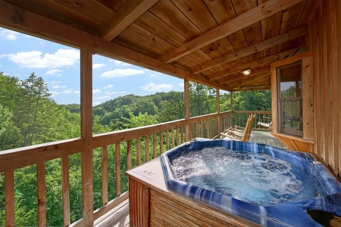 Smoky mountain cabin rental in sevierville near pigeon forge for Smoky mountain tennessee cabin rentals