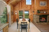 1 Bedroom Cabin with Kitchen and Dining Table
