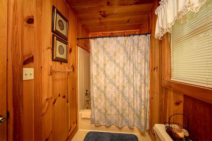 Smoky Mountain Cabin 1 Bedroom & 2 Baths - Serenity Ridge