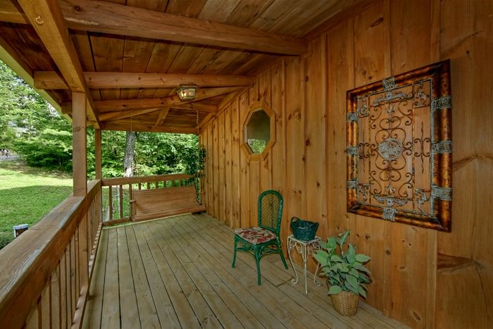 Smoky mountain cabin rental in sevierville near pigeon forge for Smoky mountain ridge cabins