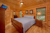 3 Bedroom Cabin with a desk nook in master bed