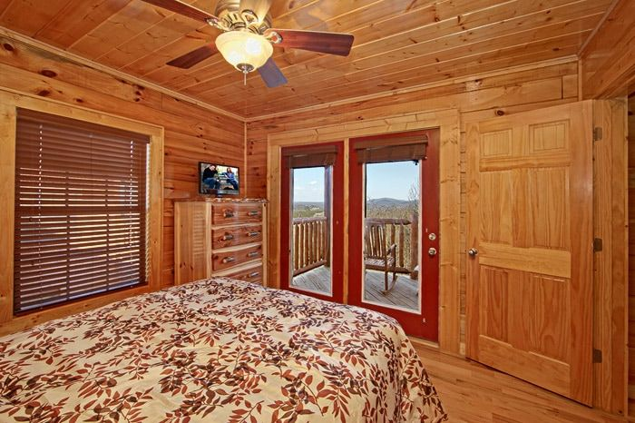 Bedroom with Access to Deck - Shakonohey
