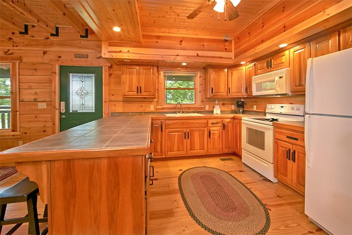 5 bedroom cabin with full kitchen - Shoot the Moon
