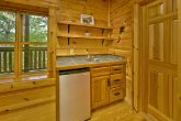 5 bedroom cabin with kitchenette