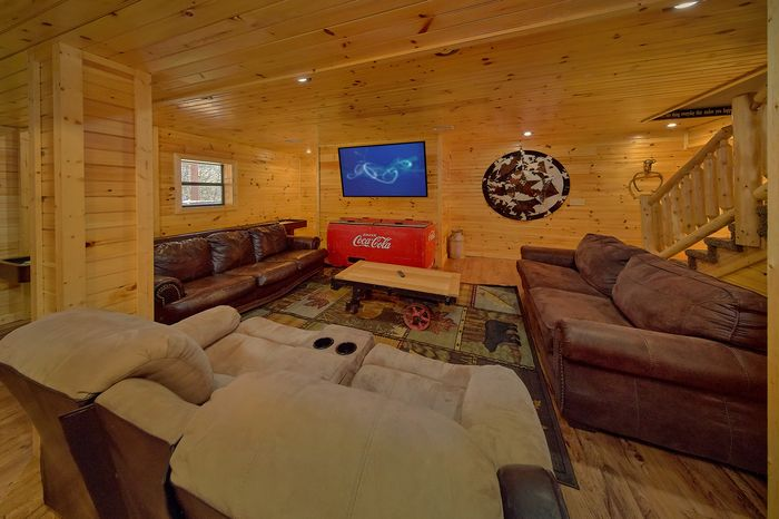 T3 Bedroom Cabin Sleeps 12 with Theater System - Simply Incredible