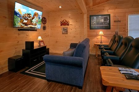 The Chocolate Moose: 2 Bedroom Pigeon Forge Vacation Home Rental