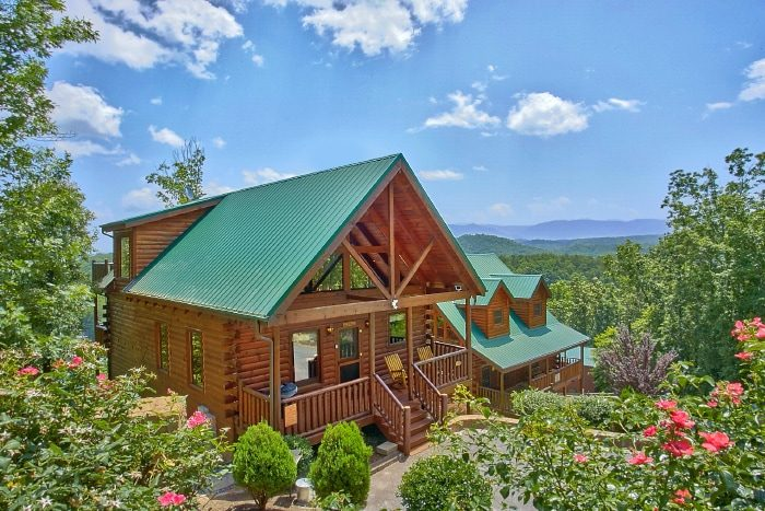tips friendly two a blog rentals it and grin cabins cabin the bedroom budget tn for bear gatlinburg our vacation smokies in