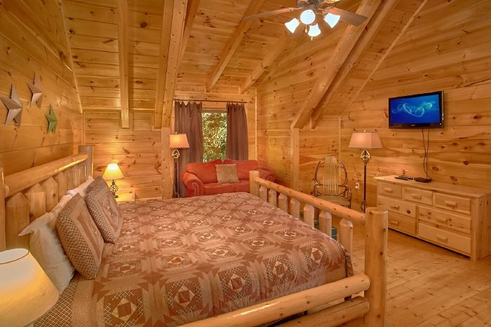 Private King Bedroom with Sitting Area and TV - Simply the Smokies