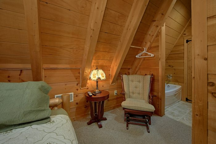 3 Bedroom Cabin Gatlinburg Sleeps 8 - Skiing With The Bears