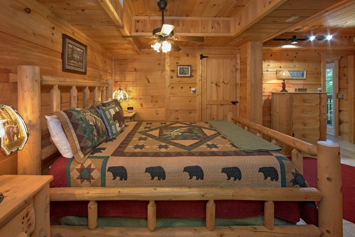 3 Bedroom Chalet Village Master Bedroom - Skiing With The Bears