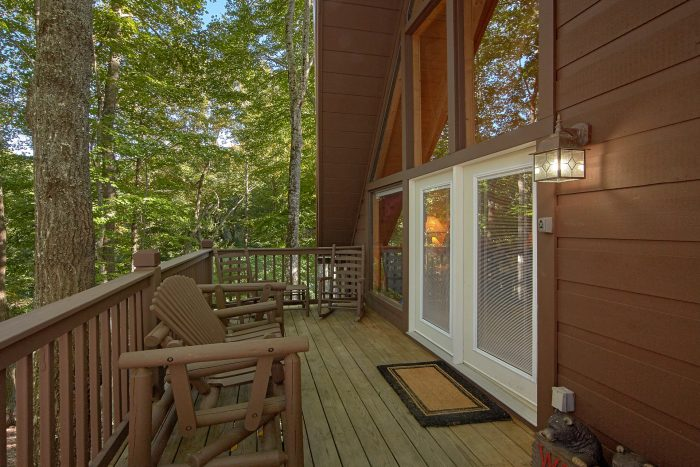 Gatlinburg 3 Bedroom Cabin Sleeps 6 - Skiing With The Bears