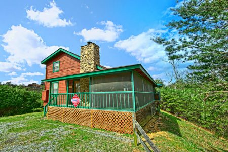 Amazing Hideaway: 3 Bedroom Sevierville Cabin Rental