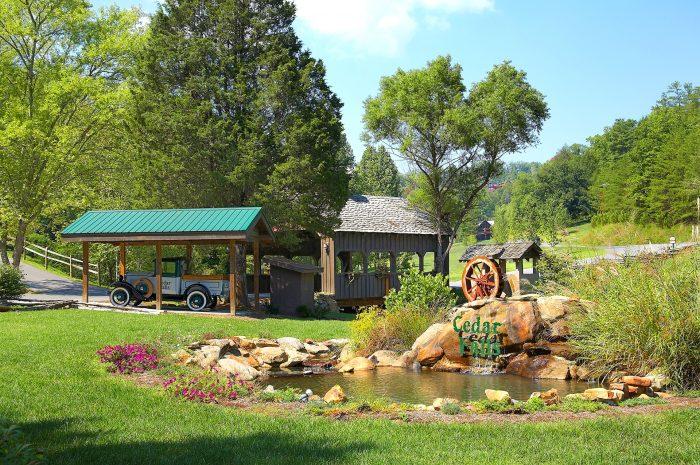 3 Bedroom Cabin in Cedar Creek Resort - Smokies View