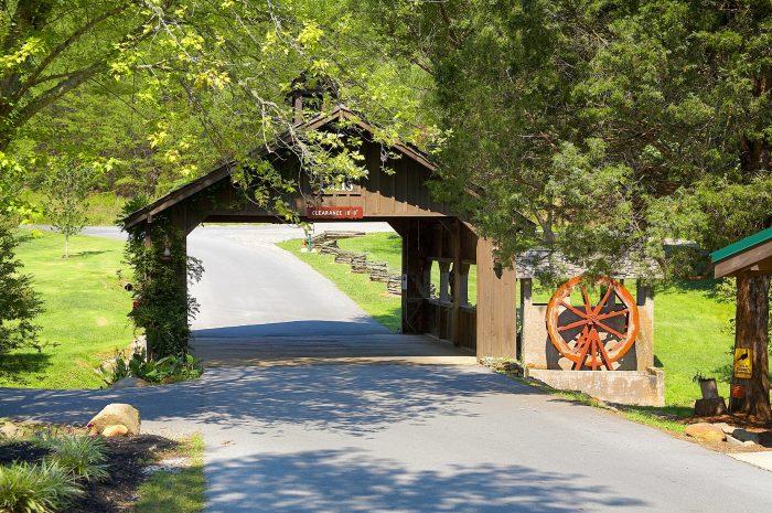 Cabin is Cedar Creek Resort - Smokies View