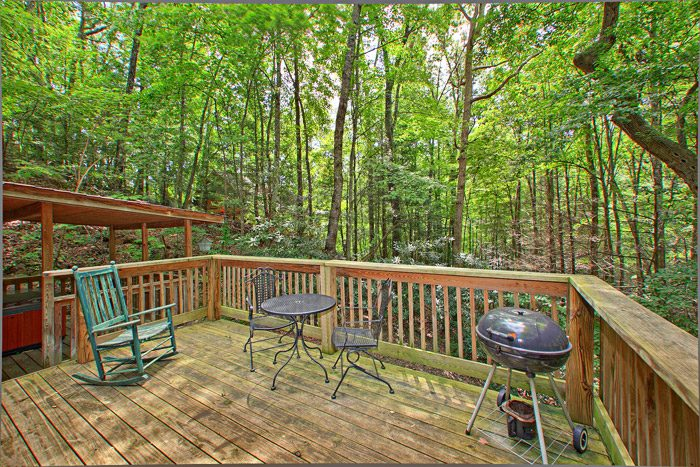 Cabin with Deck - Smoky Mountain High
