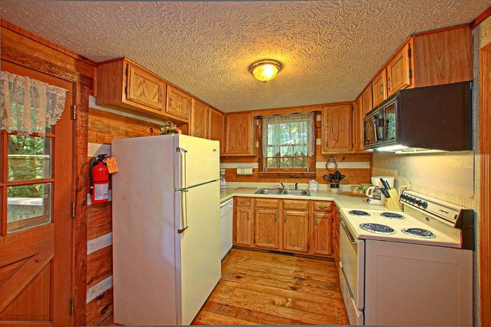 Well Equipped Kitchen - Smoky Mountain High