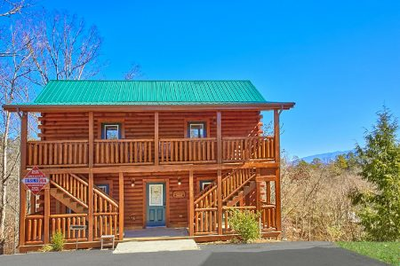 Lookout Lodge: 7 Bedroom Sevierville Cabin Rental