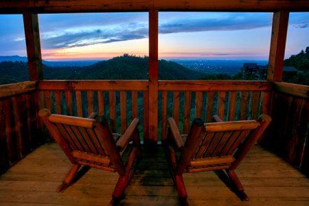 Fabulous Escape: 4 Bedroom Sevierville Cabin Rental