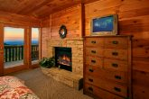 Cabin with queen suite with fireplace