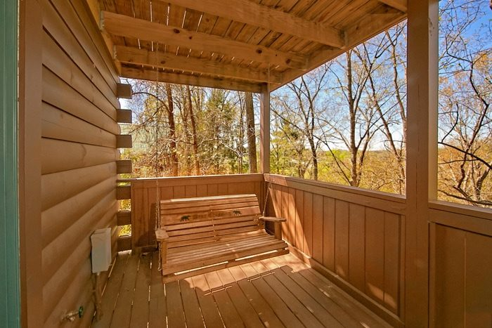 Luxury Cabin with Porch swing and Hot Tub - Southern Comfort