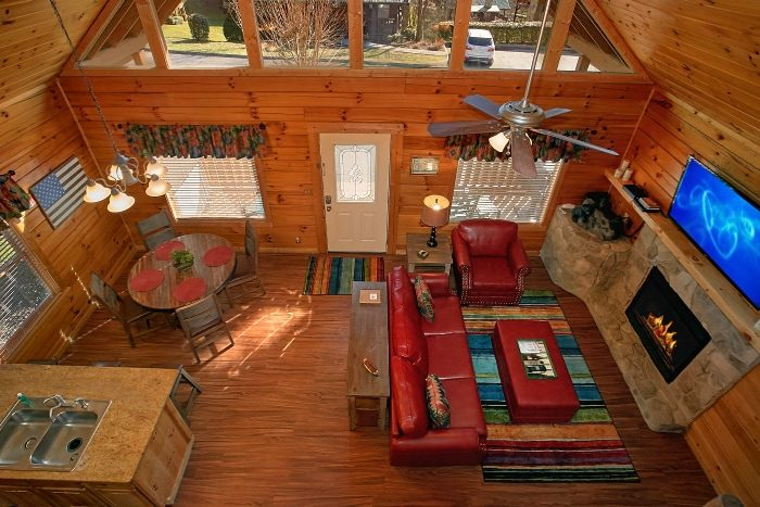 Spacious 2 Bedroom Cabin with 2 King Bedrooms - Southern Comfort