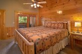 Resort cabin with private master king bedroom