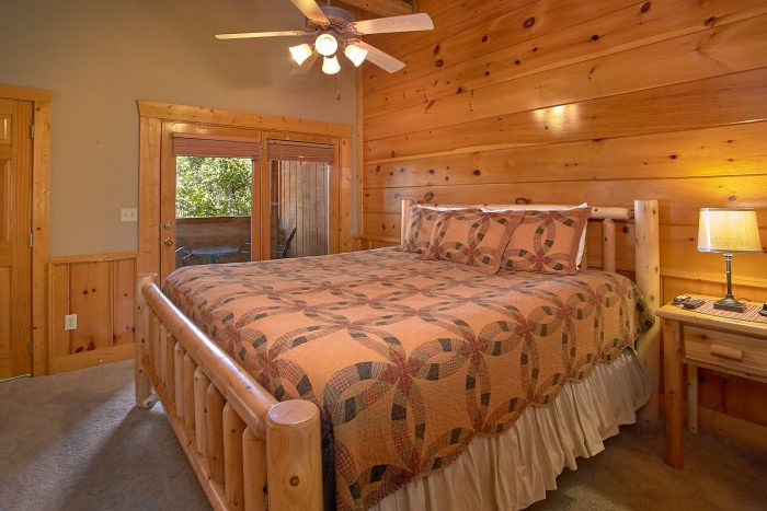 Resort cabin with private master king bedroom - Southern Deluxe
