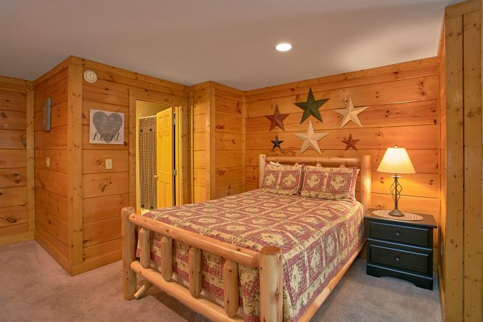 Rustic 2 bedroom cabin with queen bed - Southern Deluxe