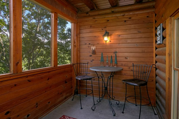 2 bedroom cabin with covered porch - Southern Deluxe