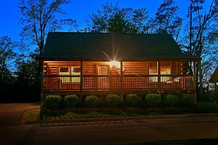 Southern Lights Cabin Rental Photo