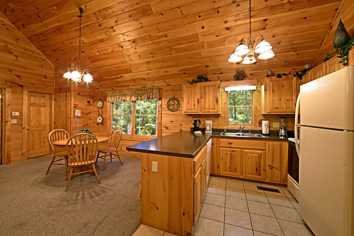 Cabin with Fully equipped Kitchen - Southern Lights