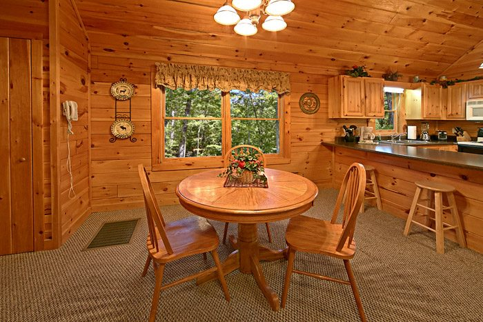 Cabin with DiningTable for Two - Southern Lights
