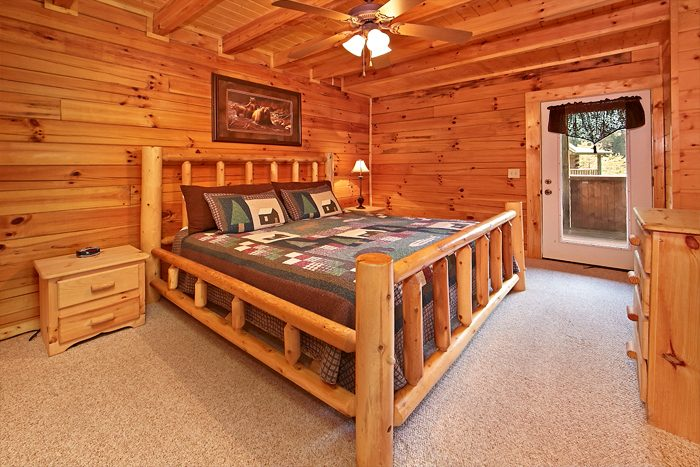 Smoky Mountain Cabin with 2 Cozy King Beds - Sparkling Dreams