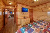 6 Bedroom Cabin with 5 Master Suites
