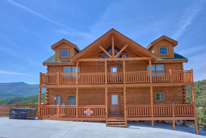 Brand-New Cabin with Pool in the Smoky Mountains - Splashin' With A View