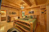 3 Bedroom Cabin Sleeps 9 Master Suite
