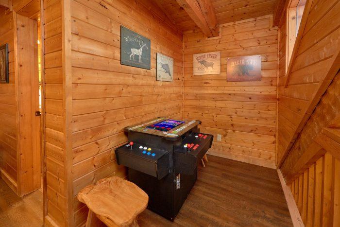 Arcade Game Table 3 Bedroom Cabin Sleeps 9 - Sugar Bear View