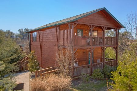 Bear Claw: 3 Bedroom Wears Valley Cabin Duplex Rental