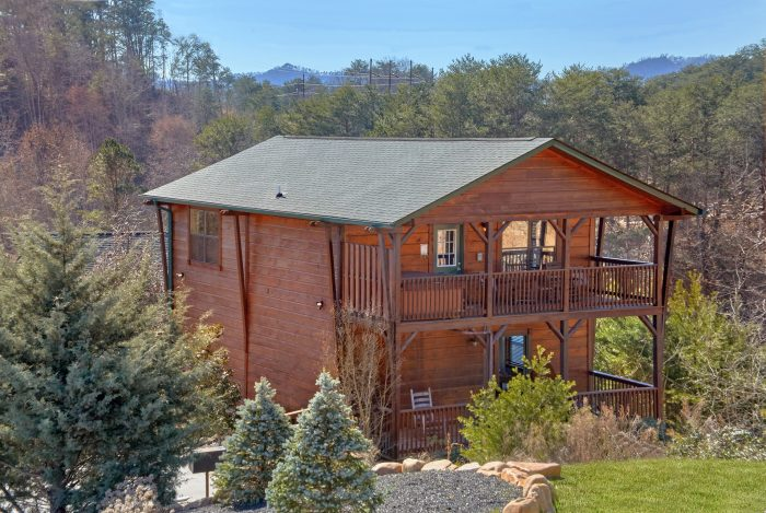 Cabin Rental in Bear Cove Falls Resort - Sundaze