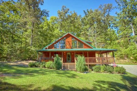 A Poolside Delight: 2 Bedroom Pigeon Forge Cabin Rental