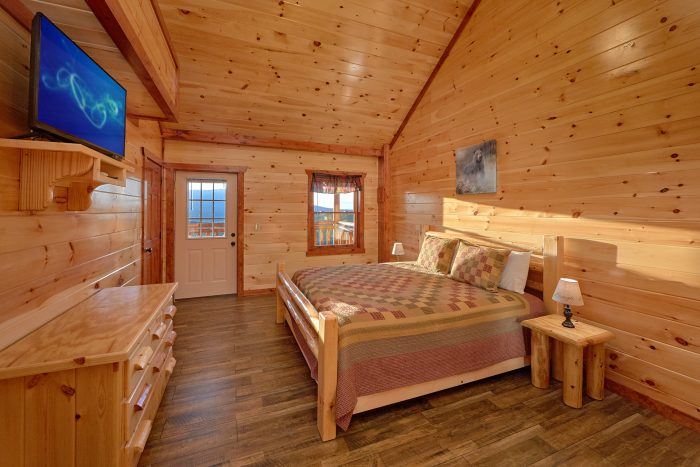 Cabin with 2 Main-Level Master Bedrooms - Swimmin' In The Smokies