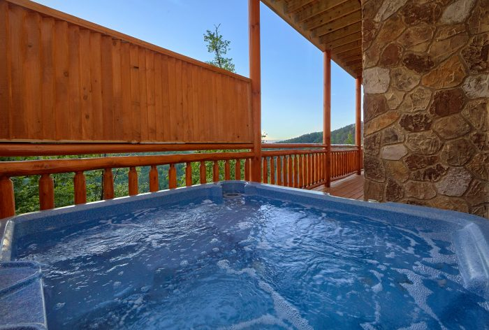 6 Bedroom Cabin with a Hot Tub - Swimmin' In The Smokies