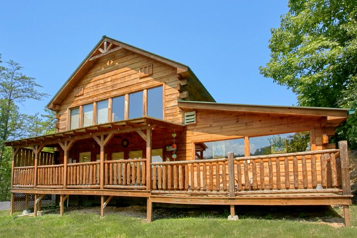 Spacious 2 Bedroom Cabin with Indoor Pool - Swimming Hole