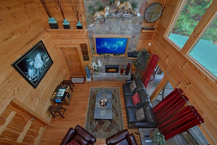 Cabin with Spacious Living Room and Arcade Game - Swimming Hole