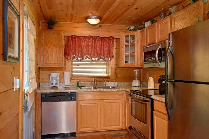 2 Bedroom Cabin with Luxury Master Bedroom - Swimming Hole