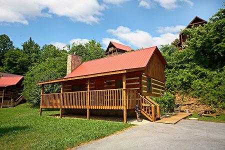 Cherokee Springs: 2 Bedroom Gatlinburg Cabin Rental