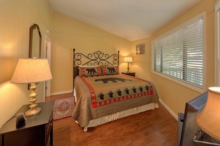 3 Bedroom Cabin Main Floor Bedroom - The Birds Nest